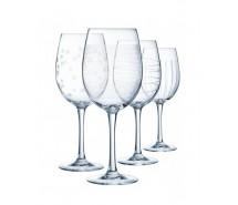 Glasses and wine glasses